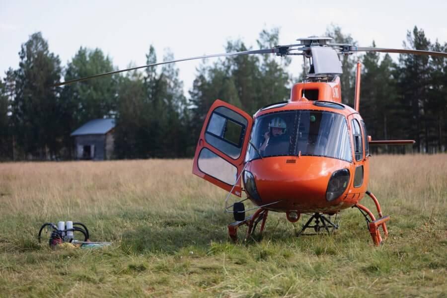 Helikopter som landat i Fågelsjö