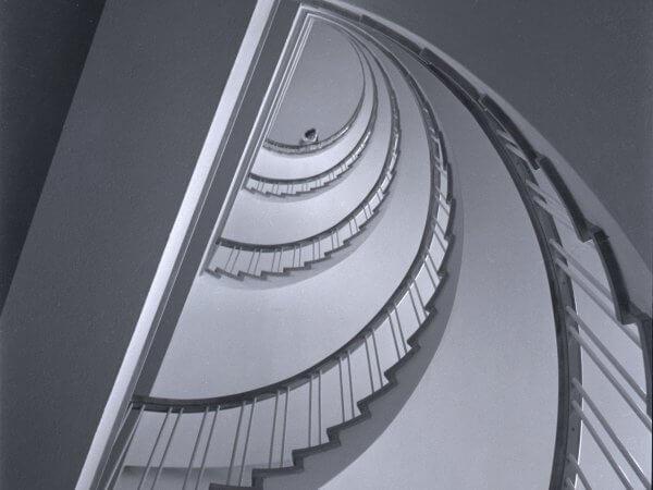en spiral mot ljuset till