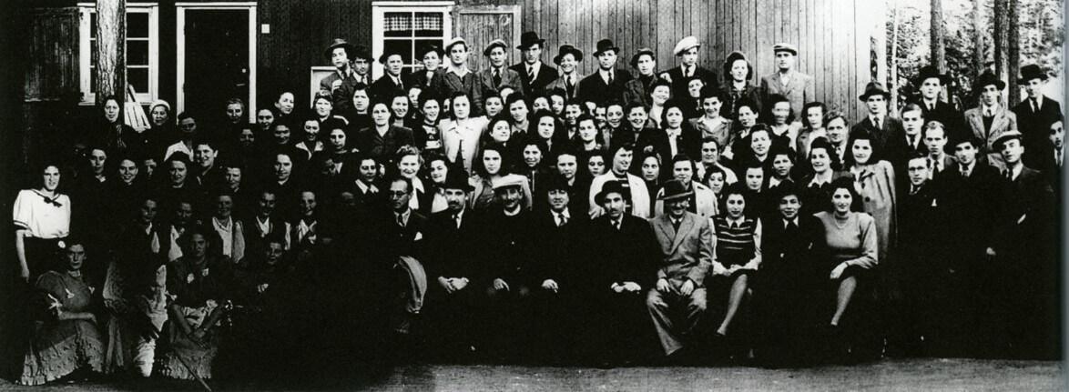 Polacker och bland dem också polska judar som räddats ur förintelselägren kom efter krigsslutet till Sunnerstaholm, lägret i Hälsingland.