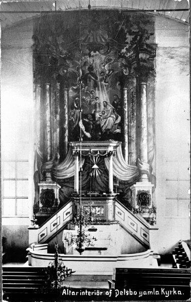 Altaret i Delsbo gamla kyrka.