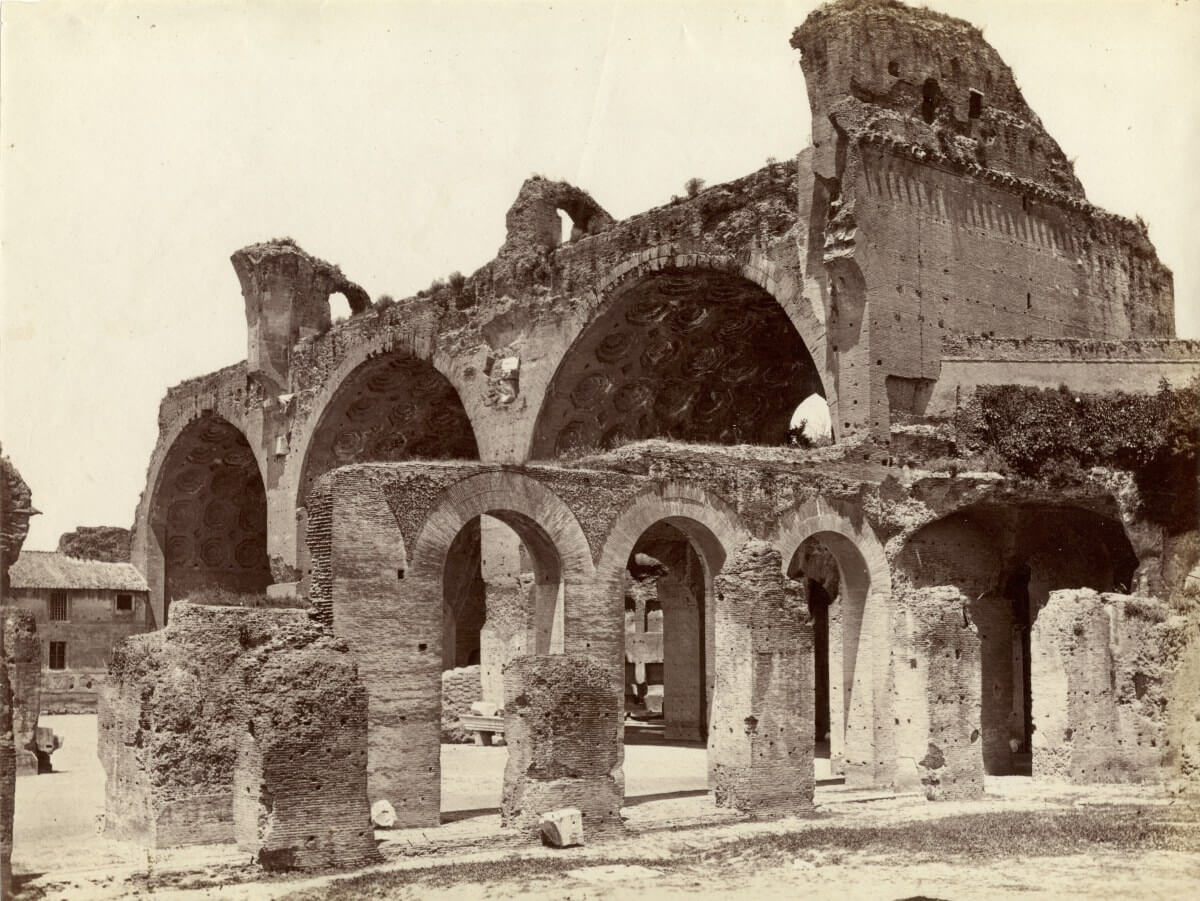 Ruiner av en basilika i Rom.