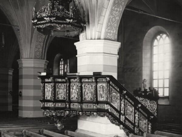 Textil, skulptur och måleri i Heliga Trefaldighets kyrka